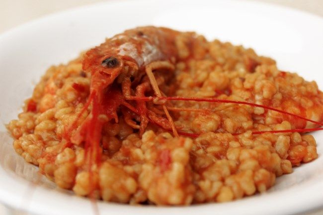 Fregola con gamberi e pomodori Qui la ricetta (here for the recipe) http://ricette.foxlife.it/primi-piatti/fregola-con-gamberi-e-pomodori/