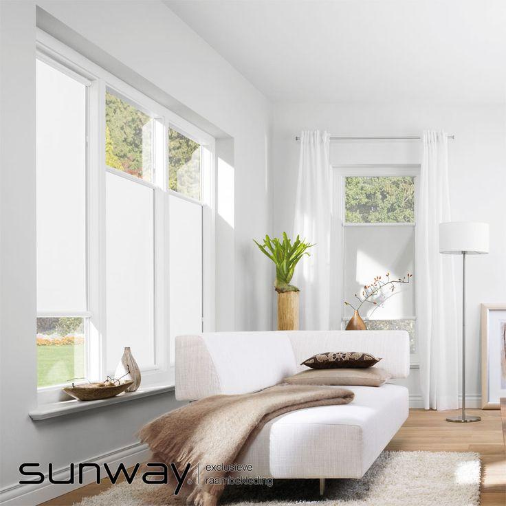 Het Smart rolgordijn van SUNWAY zit in een compacte cassette en wordt direct op het raam gemonteerd. Dit model is ideaal voor toepassing op draai-kiepramen of openslaande deuren waar weinig ruimte is voor een standaard rolgordijn.