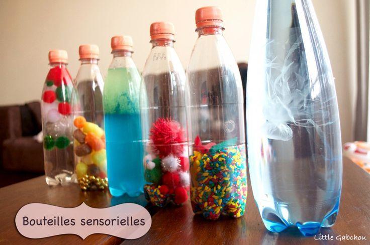 Astuces : utiliser de petites bouteilles, elles seront moins lourdes et fermer les bouchons avec de la colle.  Pour les petits :  Remplir les bouteilles, d'eau (de la glycérine si possible pour