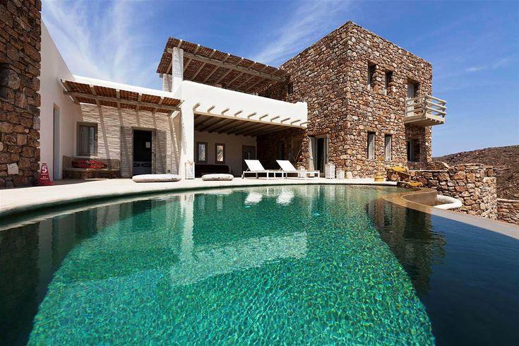 Villa Utopia is a pretty Greek villa in Mykonos!