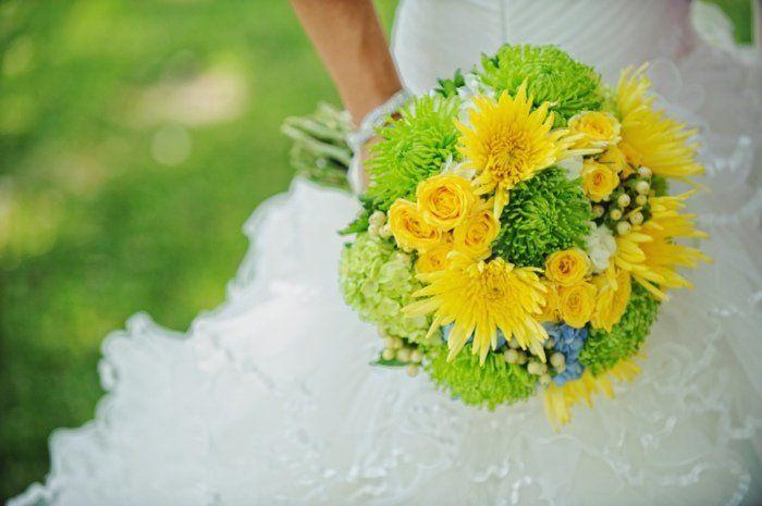 fleurs mariage été-automne: chrysanthèmes verts et jaunes