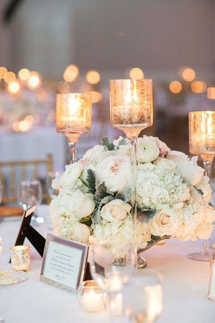 photo: Kelsey Combe Photography; Gorgeous wedding centerpiece idea;