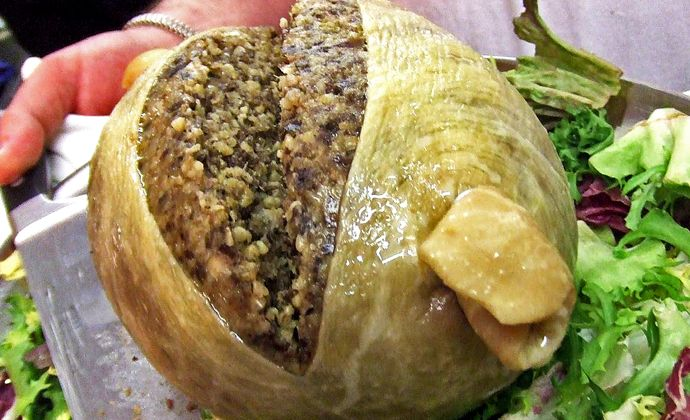 America: Haggis- The US government has decided that we are not allowed to eat anything made from lungs. This Scottish 'delicacy' made from a sheep's heart, liver and a lung is definitely an acquired taste. | www.ghantagiri.com #ghantagiri