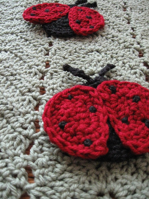 Free Crochet Ladybug Blanket Pattern : 25+ Best Ideas about Crochet Ladybug on Pinterest ...