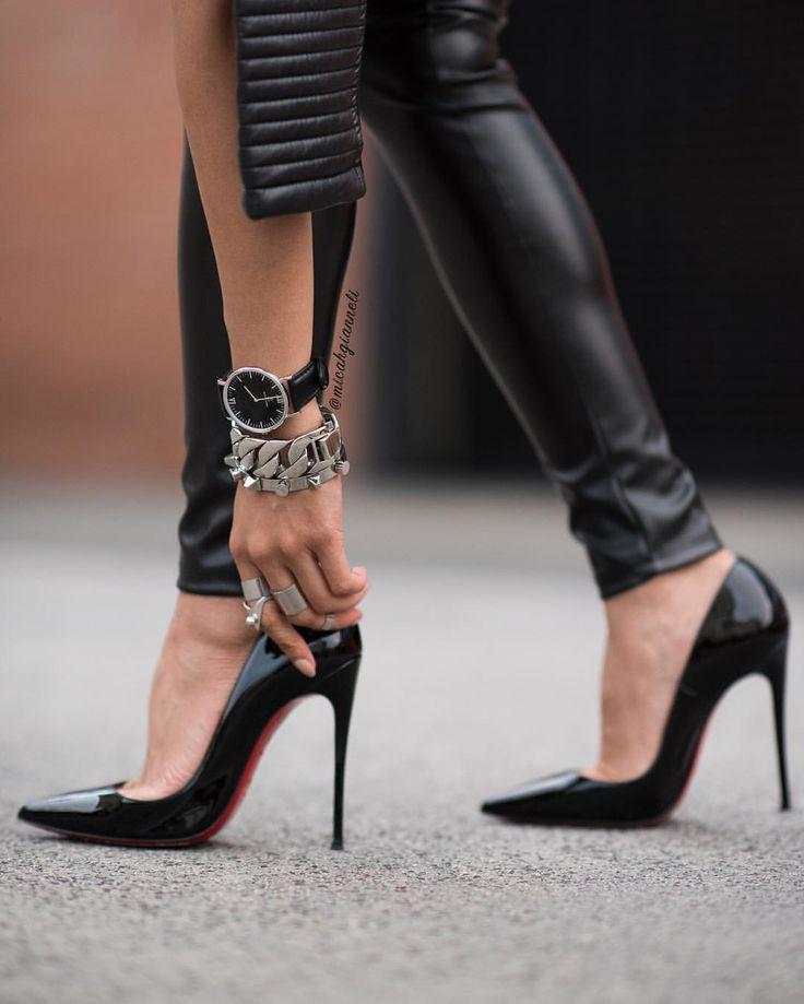 Black, silver & a hint of red… Watch by @kaptenandson #BeKapten