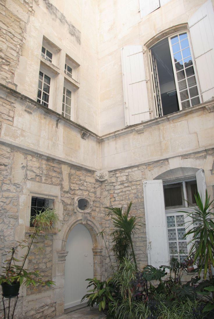 Hôtel De L Académie Nîmes