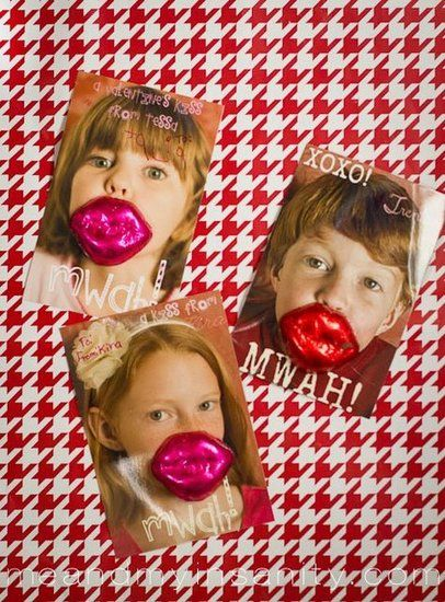 Lips: It doesn't get much cuter than Me and My Insanity's Lips card. Take cute photos of your kids, photoshop your message, and glue on some tasty chocolate lips for an adorable card.  Source: Me and My Insanity