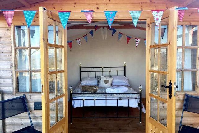 Shropshire Glamping, Afternoon Tea, Cocktail & Hot Tub for 2 @ Abel's Harp