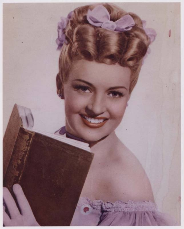 110 best actress betty grable images on pinterest. Black Bedroom Furniture Sets. Home Design Ideas