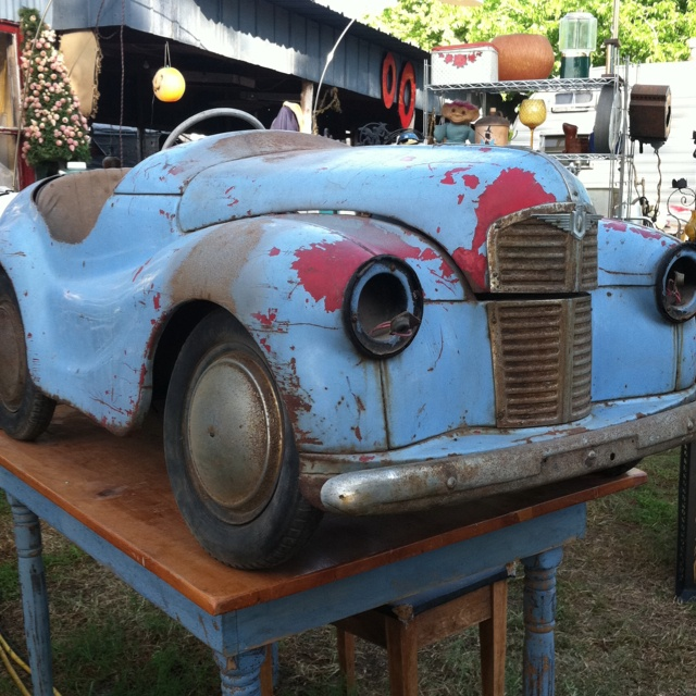 1947 auburn pedal car at the hillcrest antique show in