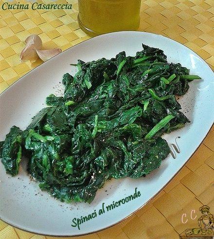 Spinaci al microonde ricetta secondi facile economica e veloce da preparare ideale per pranzi cene improvvise da surgelati in pochi minuti pronti in tavola
