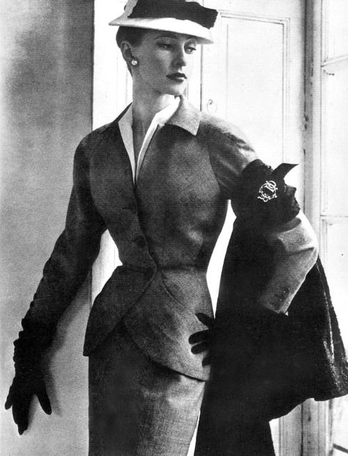 Christian Dior's feminine suit <3 1951
