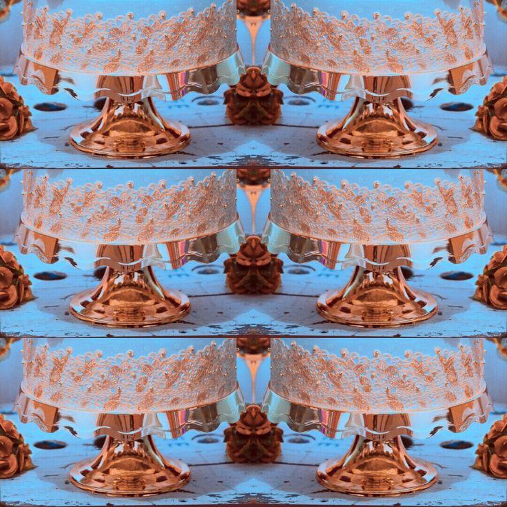 Plataforma de bolo elegante  Lançamento boleira metalizada , cores: prata/ ouro/ bronze e copo long drink metalizado Faça agora mesmo seu pedido a preço promocional. #boleira #boleiras #artigosdefestas #artigosdefesta #lojadefesta #lojadefestas #festas #lancamento #longdrink #expobrasilchocolate  #boleirametalizada #boleiraprata #copoparapersonalizar #boleirabronze #expobrasilchocolate #expobrasilchocolate2016 Pedido mínimo R$1000,00