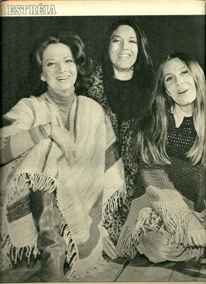 Yoná Magalhães, Gloria Menezes e Renata Sorrah na peça Vagas para Moças de Fino Trato.
