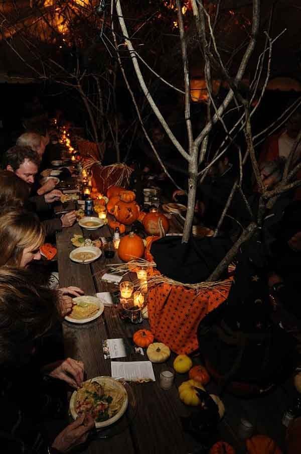 53 best images about party on the deck on pinterest for Halloween party decoration ideas outdoor