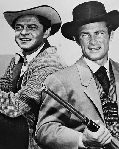 """The Wild Wild West""  Ross Martin and Robert Conrad star in the hybrid espionage/Western, ""The Wild Wild West."" I LOVE THIS SHOW"