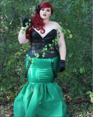 diy style for creative fashionistas sarah raepoison ivy costumesplus size halloweengirl - Halloween Costume Plus Size Ideas