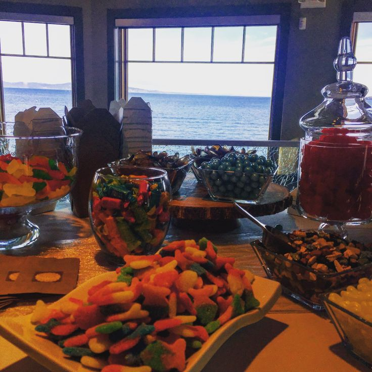 Candy bar and the ocean
