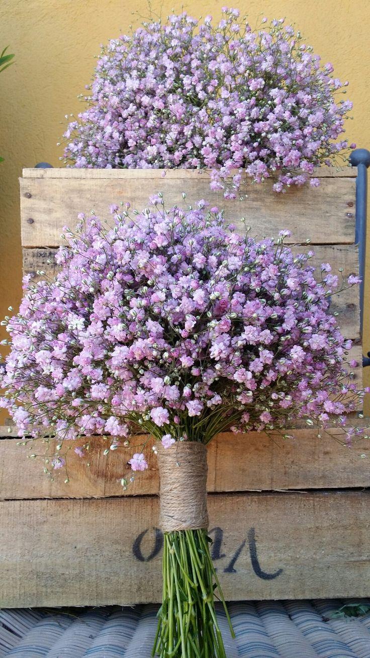 Original ramo en tonos claros con paniculata ||  http://andaluflor.es/ramos-de-flores-para-novias-en-cordoba