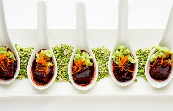 Pomegranate and currant glazed braised shortribs with wasabi spaetzle served in Asian spoons #horsdoeuvres