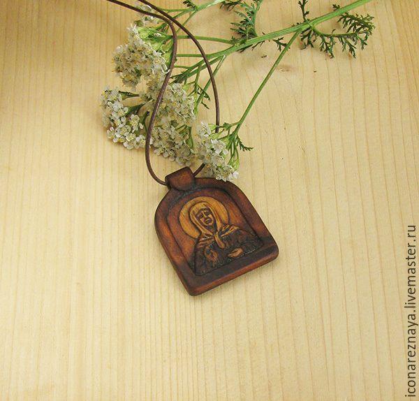 """Купить """"Святая Матронушка Московская"""" - нательный образок-икона - икона, нательная, резной, деревянный, подвеска"""