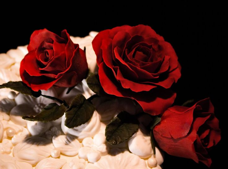 Close up of the gumpaste roses on the Bas Relief cake