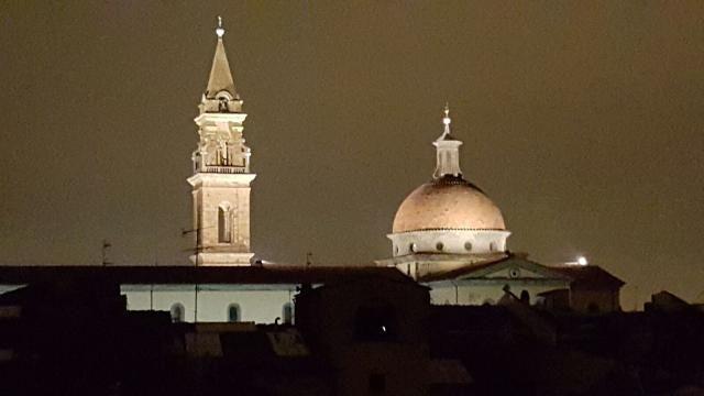 Santo Spirito veglia ..panorama notturno dalla nostra Suite