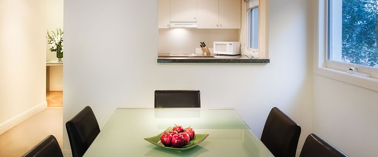 Caroline Serviced Apartments South Yarra - Two Bedroom Terrace Suite kitchen and dining area