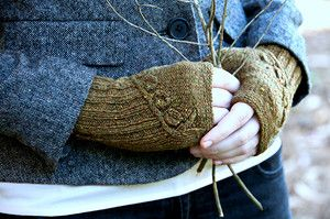Митенки «Twigs and willows mitts»
