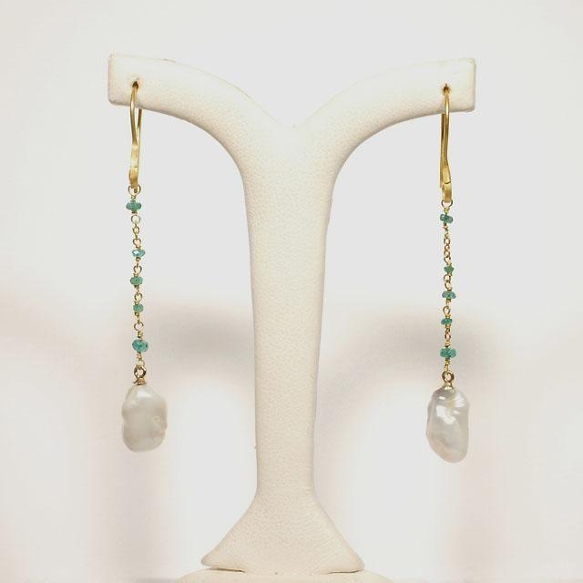 emeralds and Keshi pearls earrings
