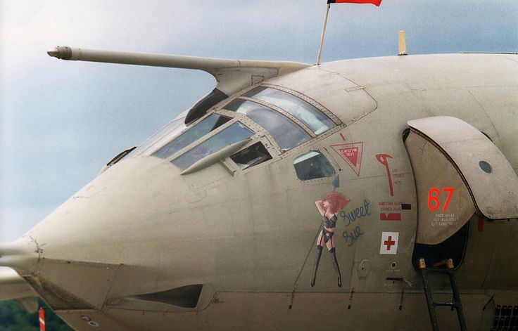 Well equipped Sue! Royal Air Force 'Gulf War' veteran No.55 Squadron Handley-Page Victor K.2 XH671 'Sweet Sue' in the static display at RAF Fairford July 1991. Photo by Rob Finch