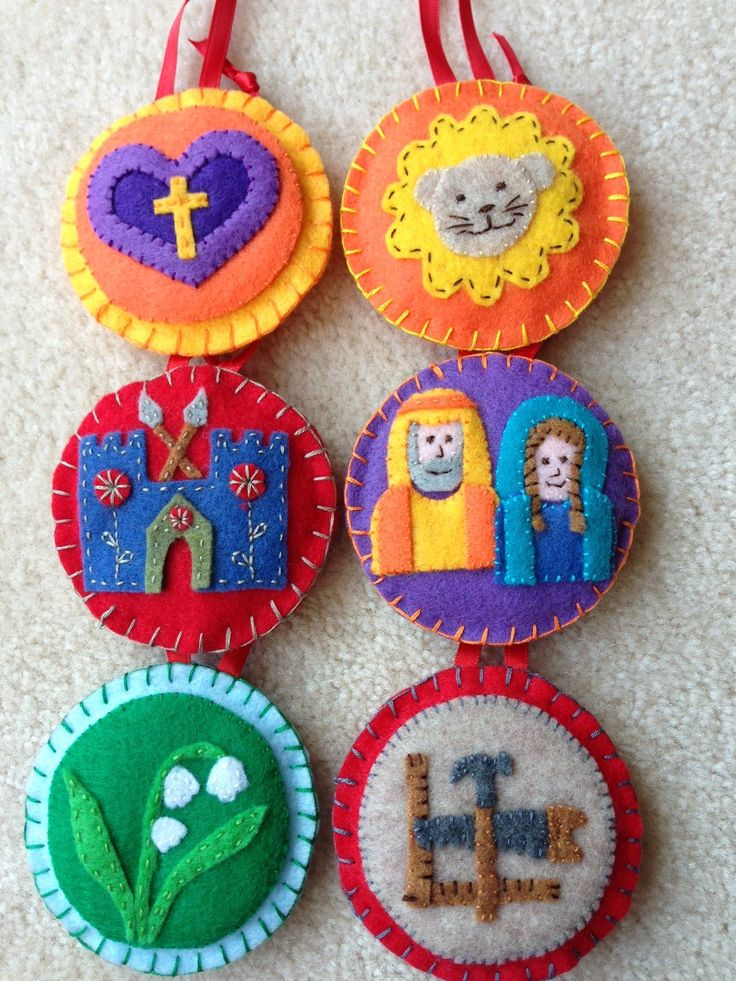 Jesse Tree Advent ornaments: cutest fabric ones I've seen yet.