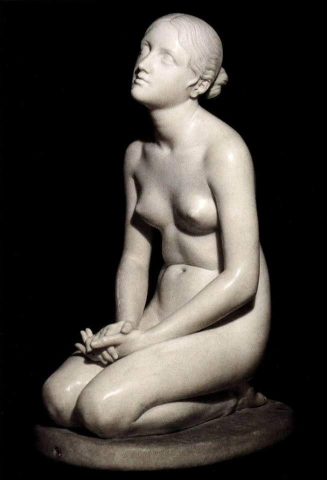 Una delicata opera di Lorenzo Bartolini: Fiducia in Dio, conservata al Museo Poldi Pezzoli di Milano