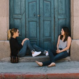 #InStyle Guest Editor Lauren Conrad and Her BFF Dish On Tennis Shoes, Travel, and Toilets! (Best Friend Pictures)