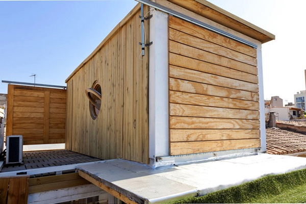 Wood clad container house sliding door projets - Casa container espana ...