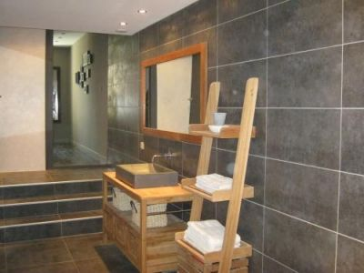 Salle de bain contemporaine faites nous d couvrir for Salle bain contemporaine