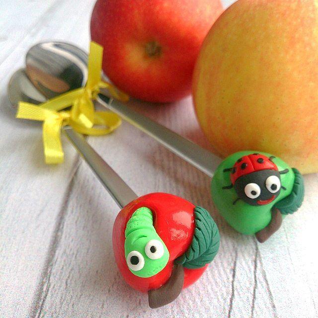 Вчера были овощи, сегодня фрукты с жителями)) Ложечки появятся сегодня в #polkamarketkzn     ________________________ Все ложечки здесь ➡ #lerasandrovna_crafts #spoon #kitchen #cucina #kitchenwear #handmade #polymerclay #worldbestideas #icecream #cake #cupcakes #вкусныеложечки #ложечки #праздник #дети #торт #подарки #свадьба #идеи #мороженое #ручнаяработа #Казань #рукоделие #творчество #полимернаяглина #фигурки #лепнина