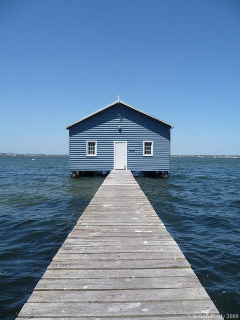 Crawley Boat Shed, Perth Western Australia photo by Simon Purdy