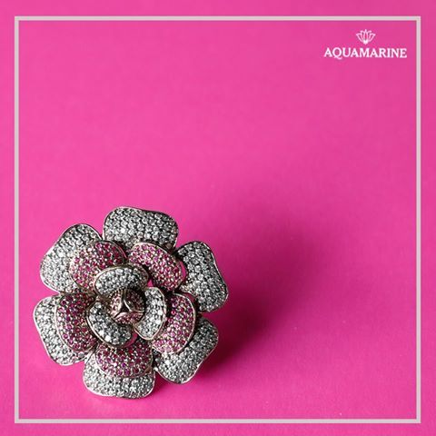 Step out to flaunt your ring in style. #aquamarine #ring