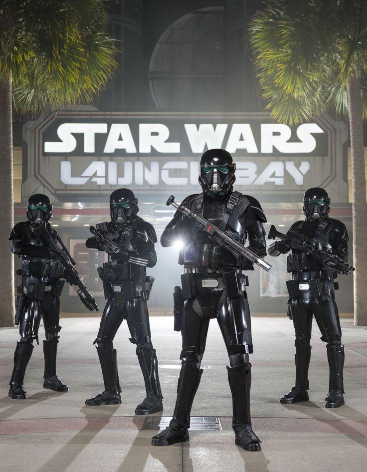 """A programação, que inclui um novo tour, tem muita sinergia com o filme que chega às telonas em breve LAKE BUENA VISTA, Flórida (6 de dezembro de 2016) – Dezembro é o mês de estreia nos cinemas do aguardado """"Rogue One: Uma História Star..."""