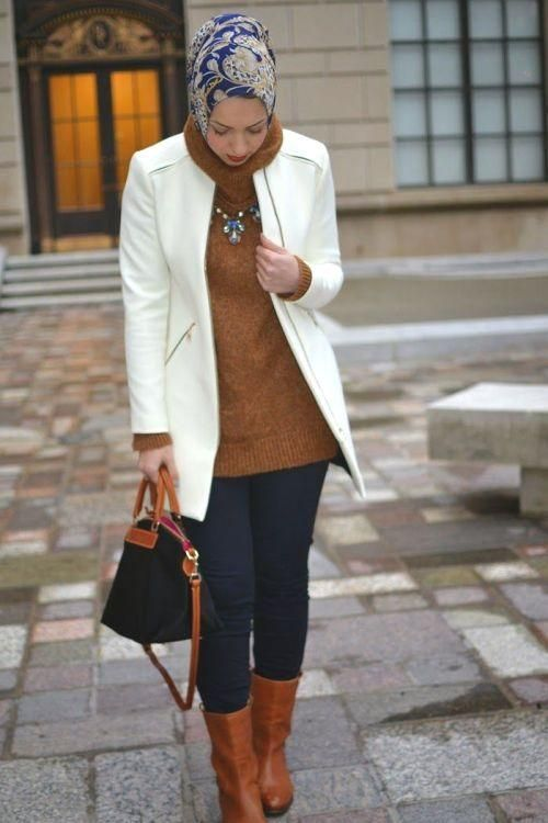 white blazer with tunic hijab outfit, Stylish hijab looks by Hani Hulu http://www.justtrendygirls.com/stylish-hijab-looks-by-hani-hulu/