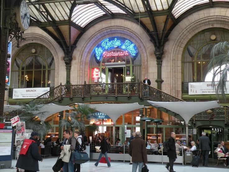 17 best images about france on pinterest shopping in for Train paris salon de provence