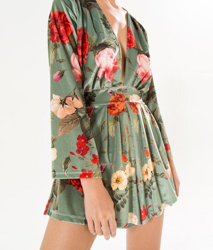 macaquinho kimono romance