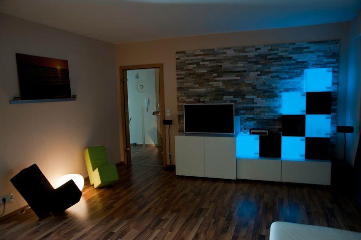 Fernsehlift für TV installation im Wohnzimmer www.flatlift.com