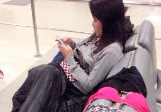 Mới đây, hình ảnh một nữ du khách Trung Quốc phơi đồ lót ngay trên ghế sân bay quốc tế Chiang Mai - Thái Lan đã khiên giới truyền thông nước này giận dữ.