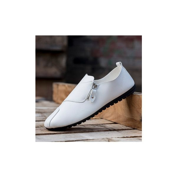 Mix Zipper Decoration Slip On Flat British Style Oxford Shoes For Men ($16) ❤ liked on Polyvore featuring men's fashion, men's shoes, shoes men's shoes flats, white, mens summer shoes, mens white slip on shoes, mens zipper shoes, mens flats and mens white oxford shoes