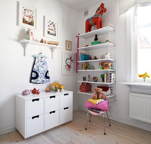 Kids Room Stadshem (I love the massive dala horse!)