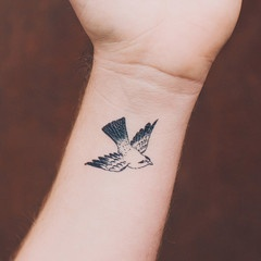 Tattly - buy temporary tattoos for adults and 'test' them out before getting them!