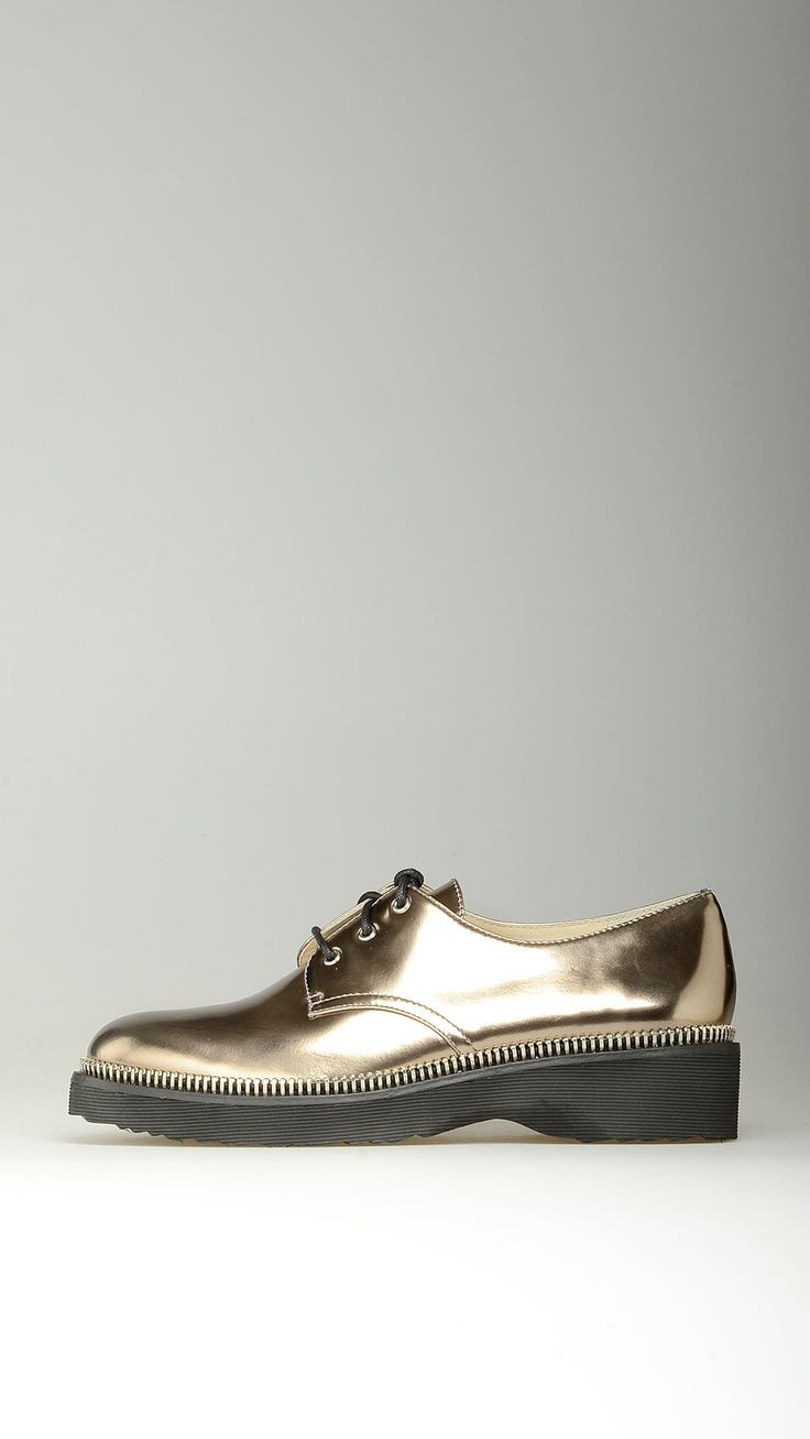 Michael Kors Metallic leather lace-ups oxford shoes featuring round toe, rubber sole, 100% metallic leather.