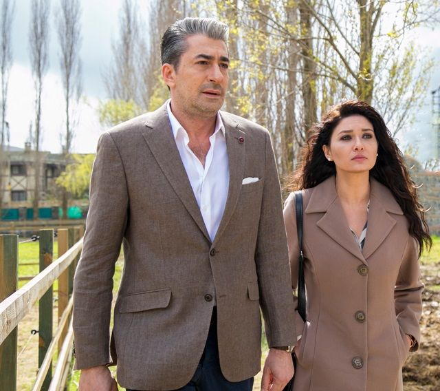 Paramparça 18.Bölüm Fragmanı (30 Mart 2015 Pazartesi / Star Tv) http://baydizi.com/video/paramparca-18-bolum-fragmani-30-mart-2015-pazartesi-star-tv/#ixzz3Vc5E4QGe